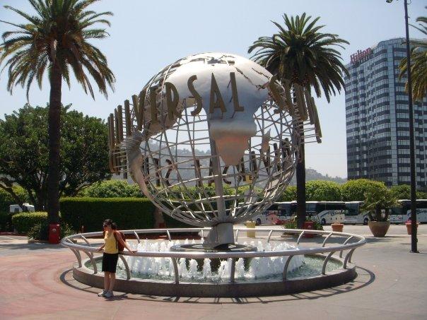 Lorekeeper'dan dev hizmet, SİZ GİTMEYİN DİYE BİZ GİTTİK! Bütün bir gününüzü geçirebileceğiniz ve hala atladığınız atraksiyonları olabilecek Los Angeles Universal Studios'un turizm puanı baskısına biz de yenik düştük.